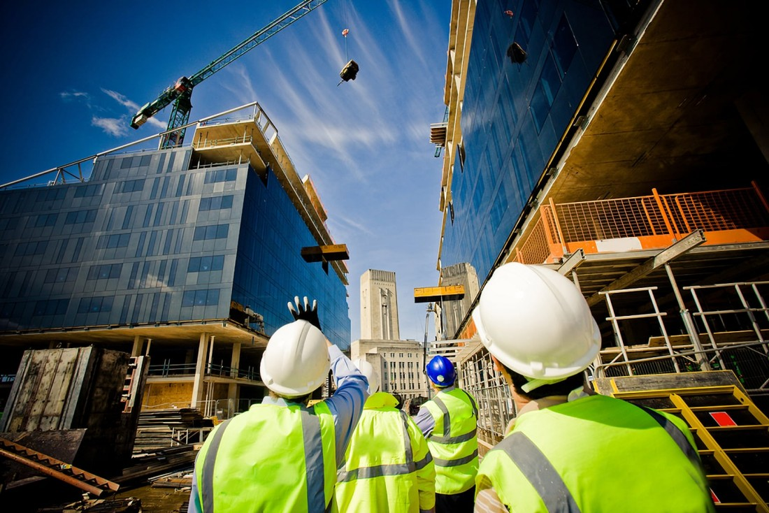 Moving Goods Safely On Building Sites